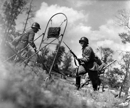 World War 2: Training for bayonet attack in the Red Army