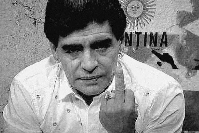 Diego-Maradona-main de dieu combat mission